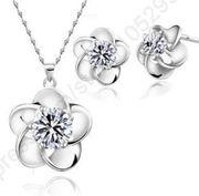 kleebläter mit Diamanten Christal Stein
