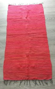 Roter Webteppich