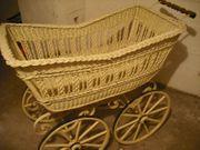 Toller antiker Kinderwagen Holz-Griff um