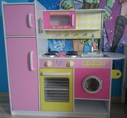 Spieleküche aus Holz von Kidkraft