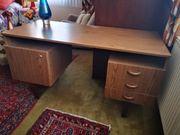 Schreibtisch mit 3 kleinen Schubladen