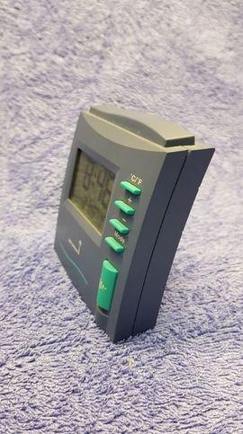 Uhren - LCD Funkwecker blau türkis NEU