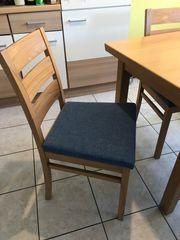 Truheneckbank mit Tisch und zwei
