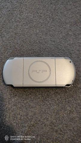 Playstation, Gerät & Spiele - PSP-3004 mit CFW und Emulatoren