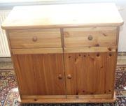 Hellbraune Holz-Kommode oben mit Schubladen