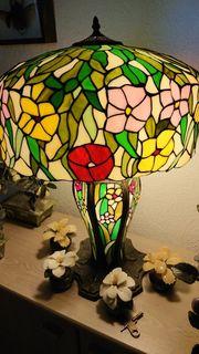 Schöne grosse Tiffanylampe