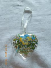 Hutschenreuther Herzaufhänger Stiefmütterchen 2002