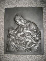 Buderus 1731 Relief Maria mit
