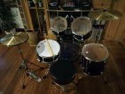 Pearl Schlagzeug mit Zubehör