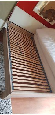Gemütliches Holzbett 2x2meter - wie NEU