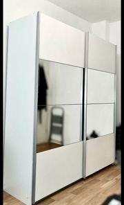 Schwebetürenschrank Kleiderschrank weiß Schubladen Spiegelschrank
