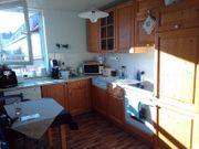 Küche mit neuwertigen Geräten