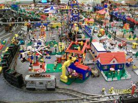 LEGO EISENBAHN-ANLAGE: Kleinanzeigen aus Hohenmölsen Jaucha - Rubrik Spielzeug: Lego, Playmobil
