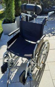 Rollstuhl in sehr gutem Zustand