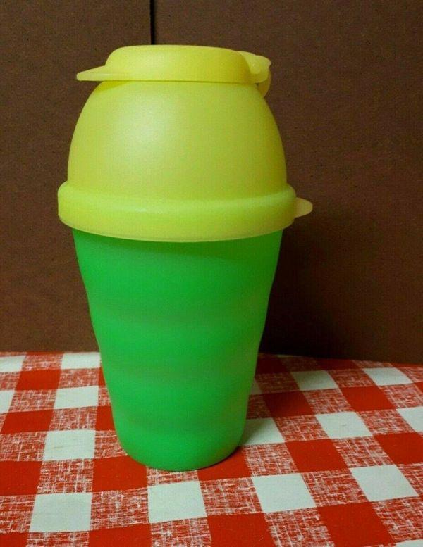 Tupperware 2x Junge Welle Trinkbecher