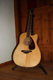 Gelegenheit Westerngitarre Yamaha FGX 720
