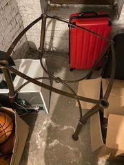 Alter Holztisch runde gut erhaltene