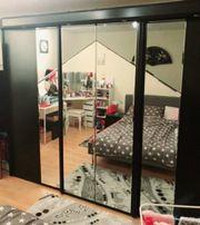 Kleiderschrank Schwebentürenschrank schwarz mit Spiegel