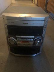 Philips Stereoanlage mit 4 Boxen