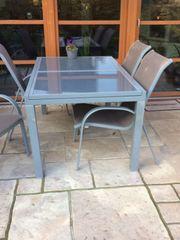 Garten-Esstisch mit 4 Stühlen