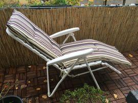 Gartenmöbel - Liegestuhl mit Auflage