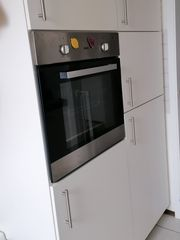 Küchenblock mit Kühlschrank Gefrierschrank Herd