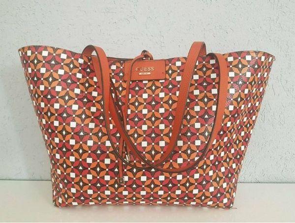 fbb05b3fa01f2 GUESS Tasche Wendeshopper mit Pochette