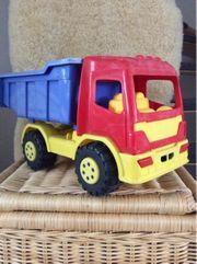 Lastwagen und Sandspielzeug 12-teigig