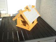 Neuwertiges Holz Vogelfutter-Haus