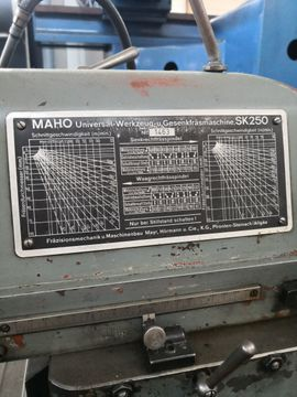 Produktionsmaschinen - Konventionelle Fräsmaschine Maho SK 250
