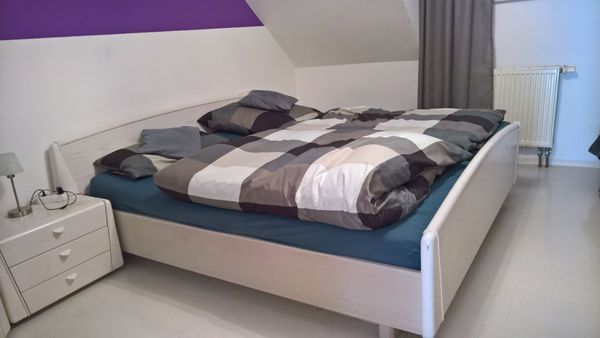 Komplettes Schlafzimmer (Handarbeit) in Rottenburg - Schränke ...