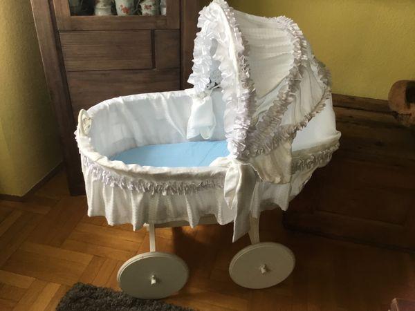 Großer Stubenwagen für Baby fahrbar