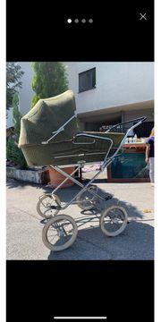 Rustikaler Kinderwagen