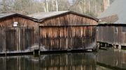 Bootshaus mit 2 Stellplätzen und
