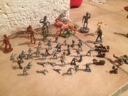 Soldaten Ritter Zinnpferde Holzfiguren etc
