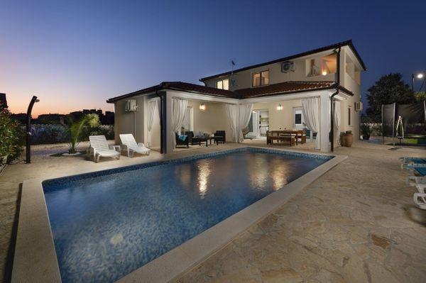 Ferienhaus Villa mit Pool Kroatien