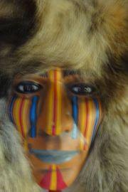 Indianer Maske aus Porzelan mit