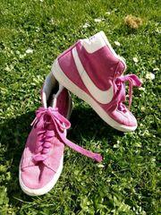 Nike Sportschuhe - Versand mögl