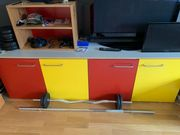 Verschenke rot-gelbes Sideboard