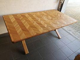 Esstisch aus Vollholz - Tisch: Kleinanzeigen aus Koblach - Rubrik Speisezimmer, Essecken