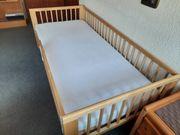 neuwertiges Kinderbett