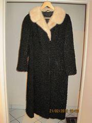 Damen-Persianermantel schwarz mit hellem Nerzkragen