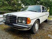 Mercedes 200D W123 Limousine 60PS