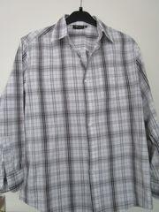 Herren -Hemd mit langen Ärmeln