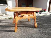 Eingelegter Tisch