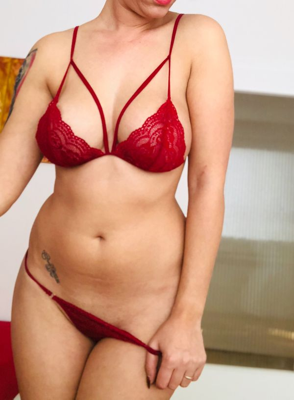 Irina - private and visitable