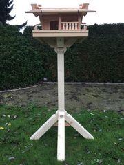 Vogelfutterhaus Modell Bamberg aus Lärchenholz