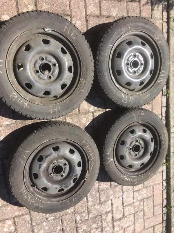 Stahlfelgen 14 Zoll - Schwegenheim - Stahlfelgen (14 Zoll) zu verkaufen.Reifen nicht mehr fahrbereit , müssen gewechselt werden. - Schwegenheim
