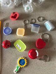 Tupperware Schlüsselanhänger und diverse Kleinteile