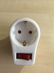 Steckdosenadapter mit Schalter